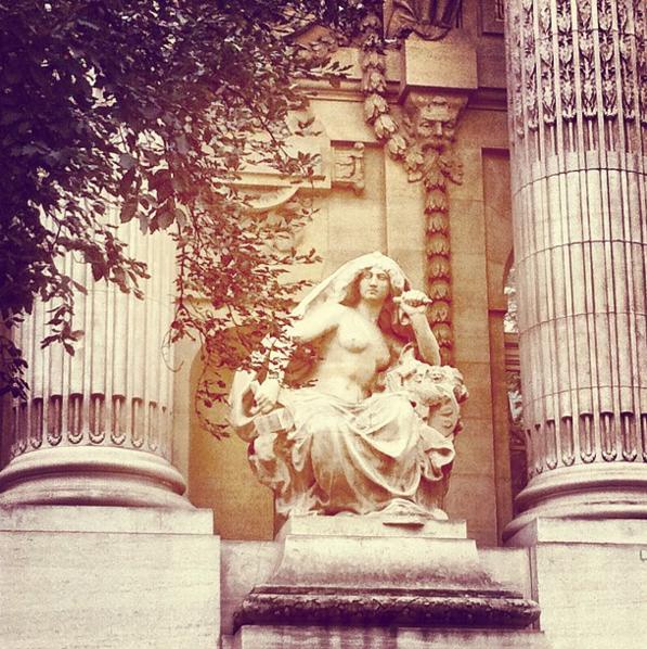 statue-paris-grand-palais