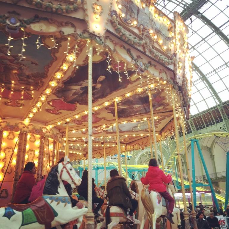 Carroussel du Grand Palais W/ Stéphanie - La moustache bleue