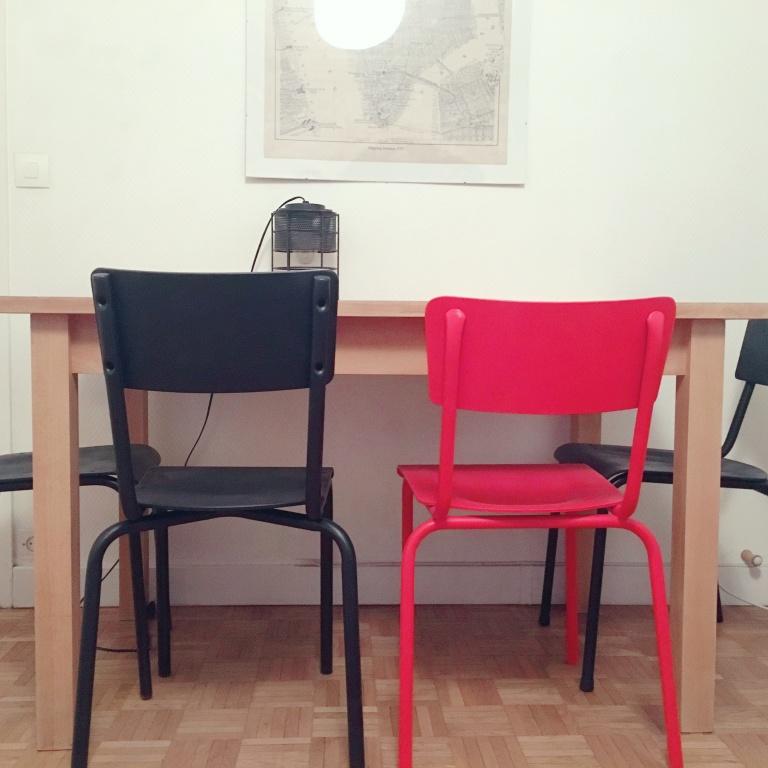 Chaises d'écoliers, V2